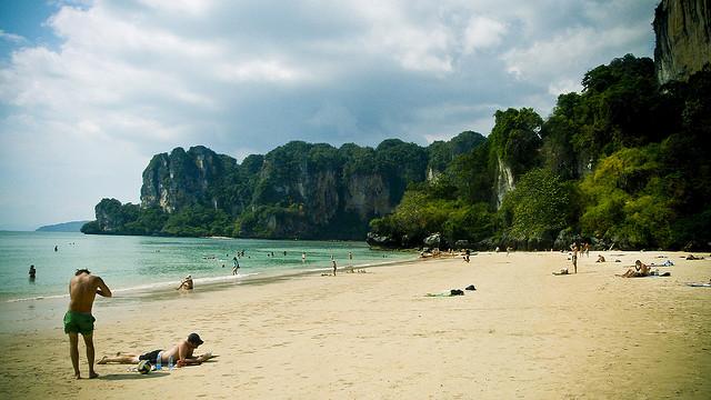 Koh Phi Phi: Die sechs Sterne des Südens in der Andamanensee
